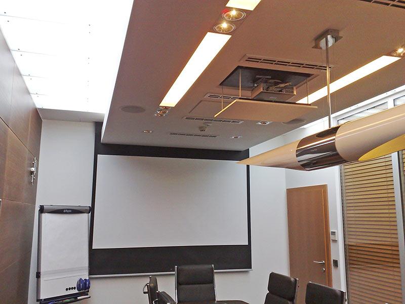 Ekrany projekcyjne AJSKOM
