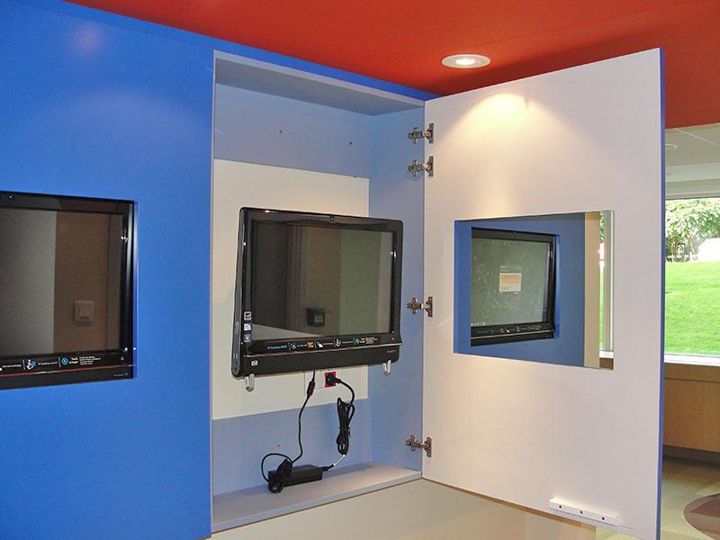 Sposób zabudowy w razie potrzeby umożliwia łatwy dostęp do urządzenia